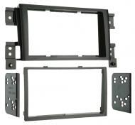 Metra 95-7953 Double DIN Installation Kit for 2006-Up Suzuki Grand Vitara Vehicles